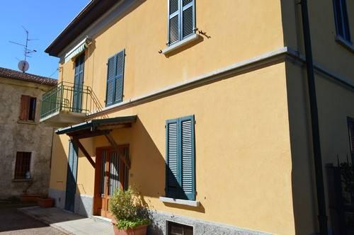 Appartamento in vendita a Vedano Olona, 4 locali, prezzo € 130.000 | Cambio Casa.it