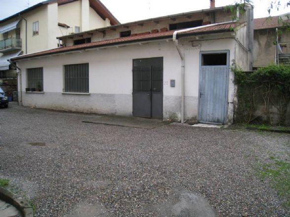 Magazzino in vendita a Vedano Olona, 2 locali, prezzo € 75.000 | Cambio Casa.it