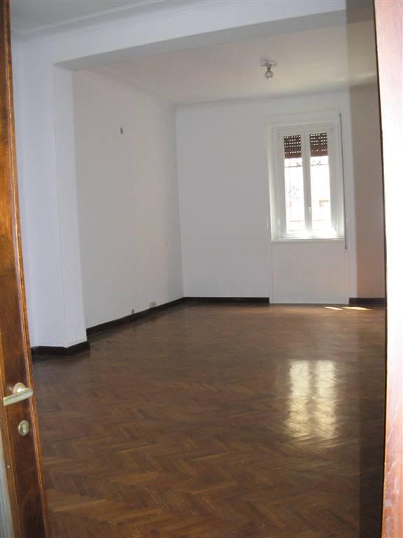 Ufficio / Studio in affitto a Legnano, 9999 locali, zona Zona: Stazione, prezzo € 600   Cambio Casa.it