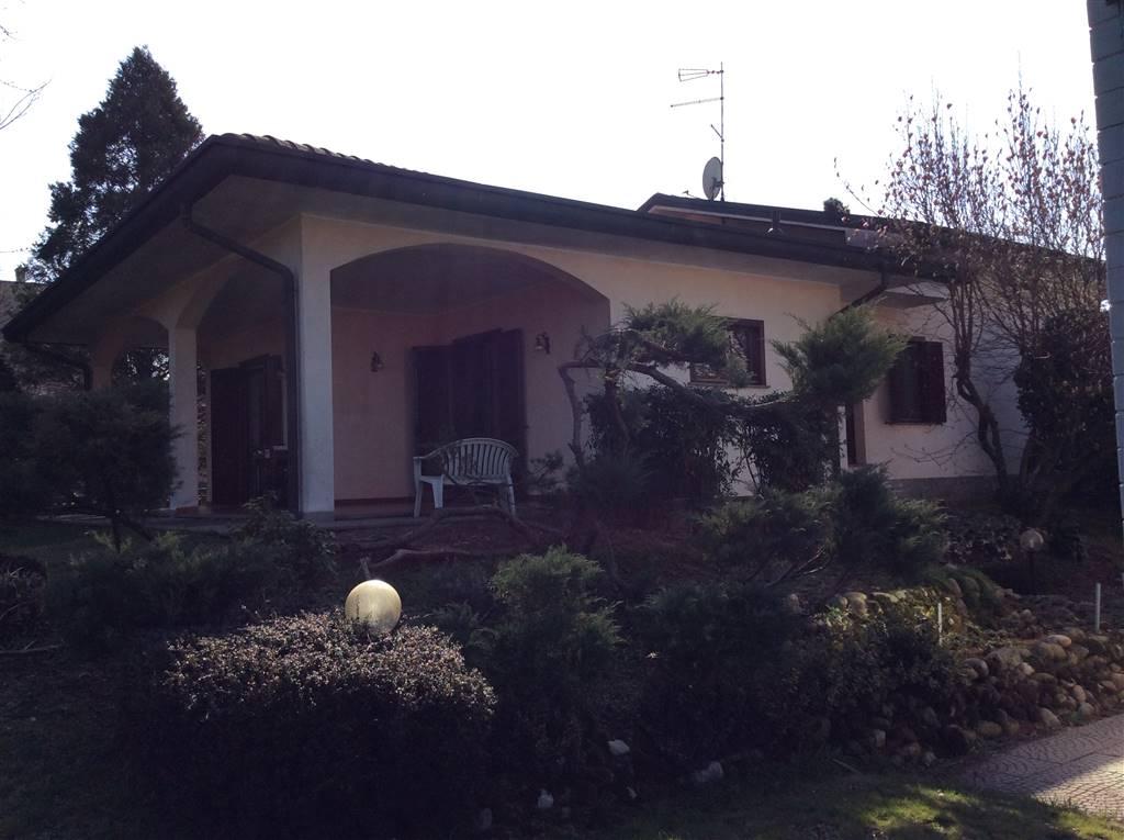 Soluzione Indipendente in vendita a Saronno, 4 locali, zona Zona: Cascina ferrara, prezzo € 750.000 | CambioCasa.it