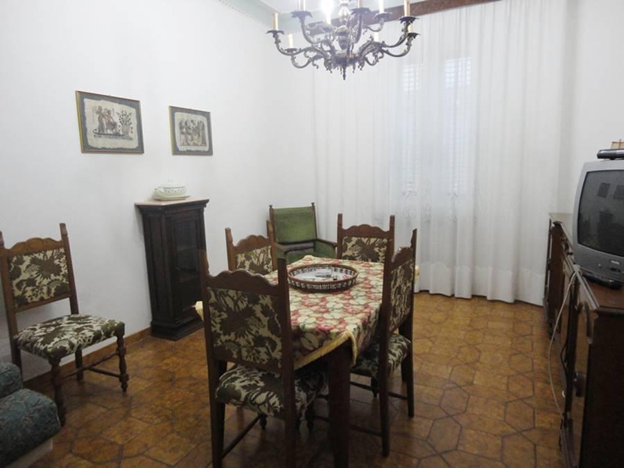 Appartamento in vendita a Piombino, 4 locali, prezzo € 135.000 | Cambio Casa.it