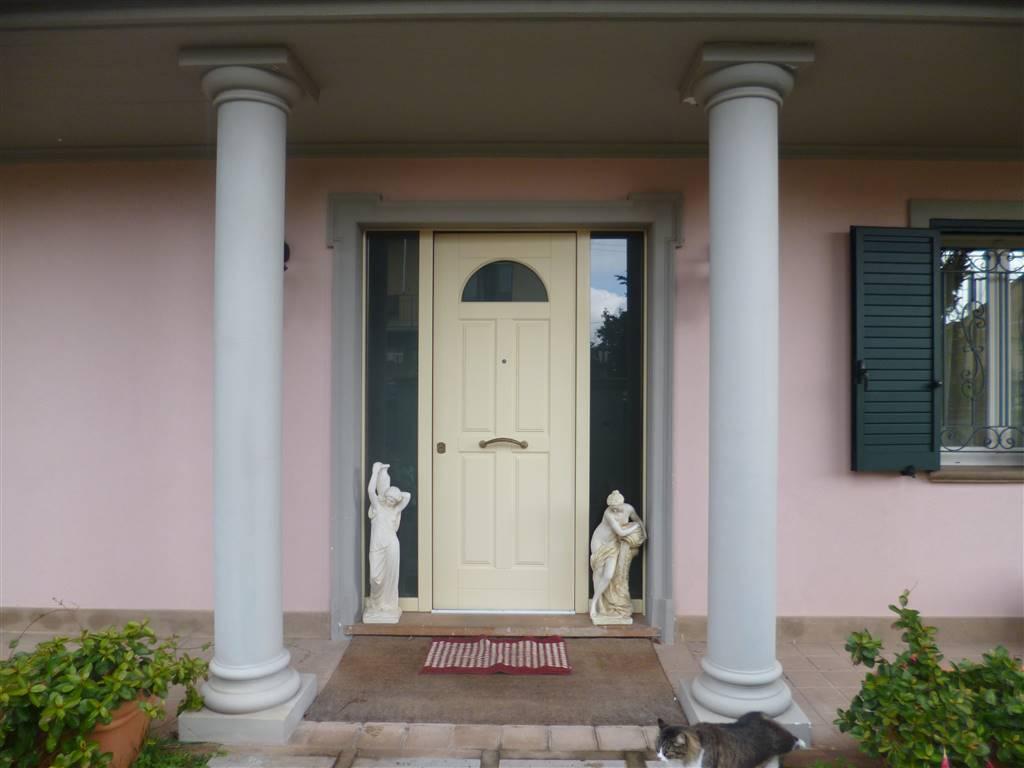 Villa in vendita a Castagneto Carducci, 9 locali, zona Zona: Donoratico, Trattative riservate | Cambio Casa.it