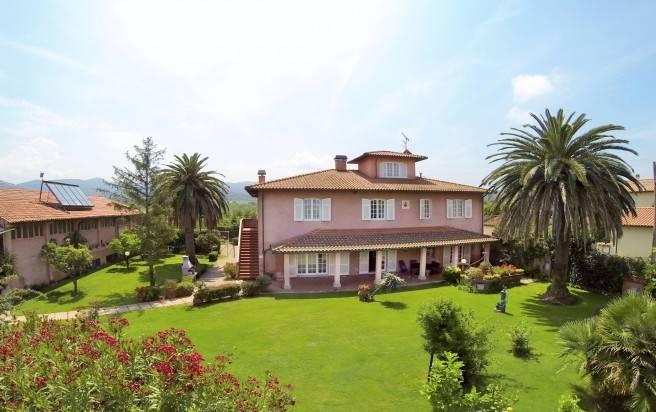Soluzione Indipendente in vendita a Castagneto Carducci, 10 locali, zona Zona: Bolgheri, Trattative riservate   CambioCasa.it