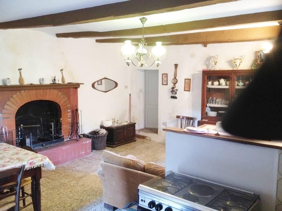 Appartamento in vendita a Sassetta, 3 locali, zona Località: SASSETTA, prezzo € 55.000 | CambioCasa.it