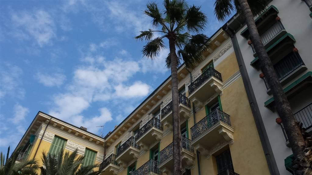 Soluzione Indipendente in vendita a Bordighera, 14 locali, Trattative riservate | Cambio Casa.it