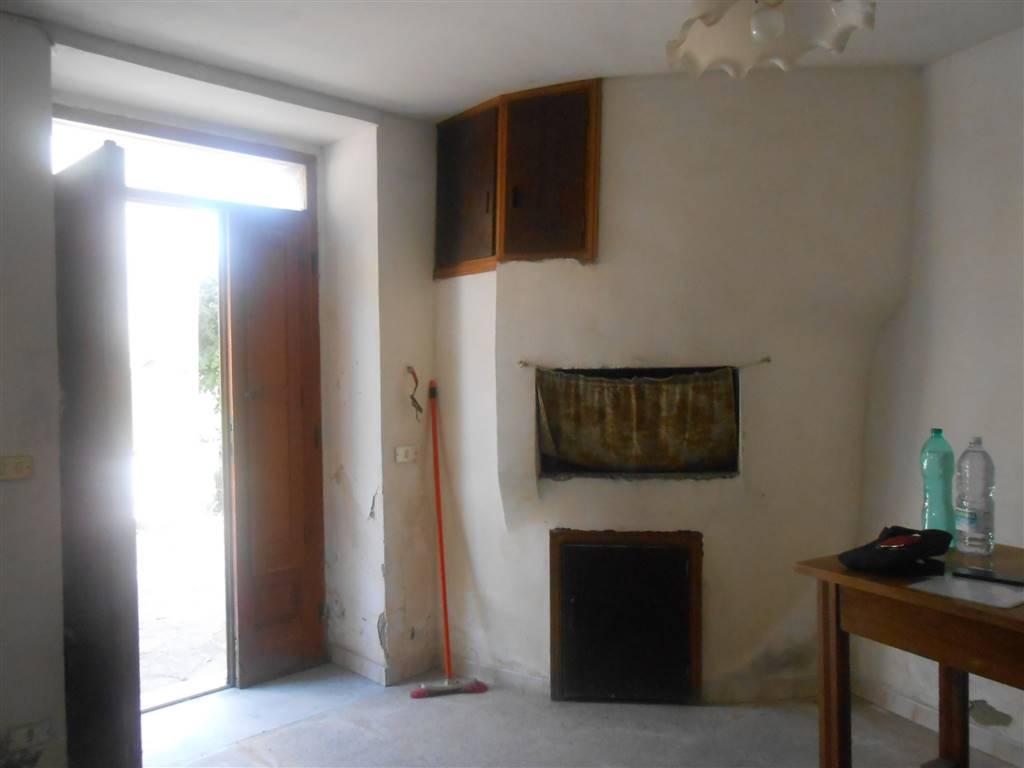 Soluzione Semindipendente in vendita a Santa Paolina, 5 locali, zona Località: CASTELMOZZO, prezzo € 35.000 | Cambio Casa.it