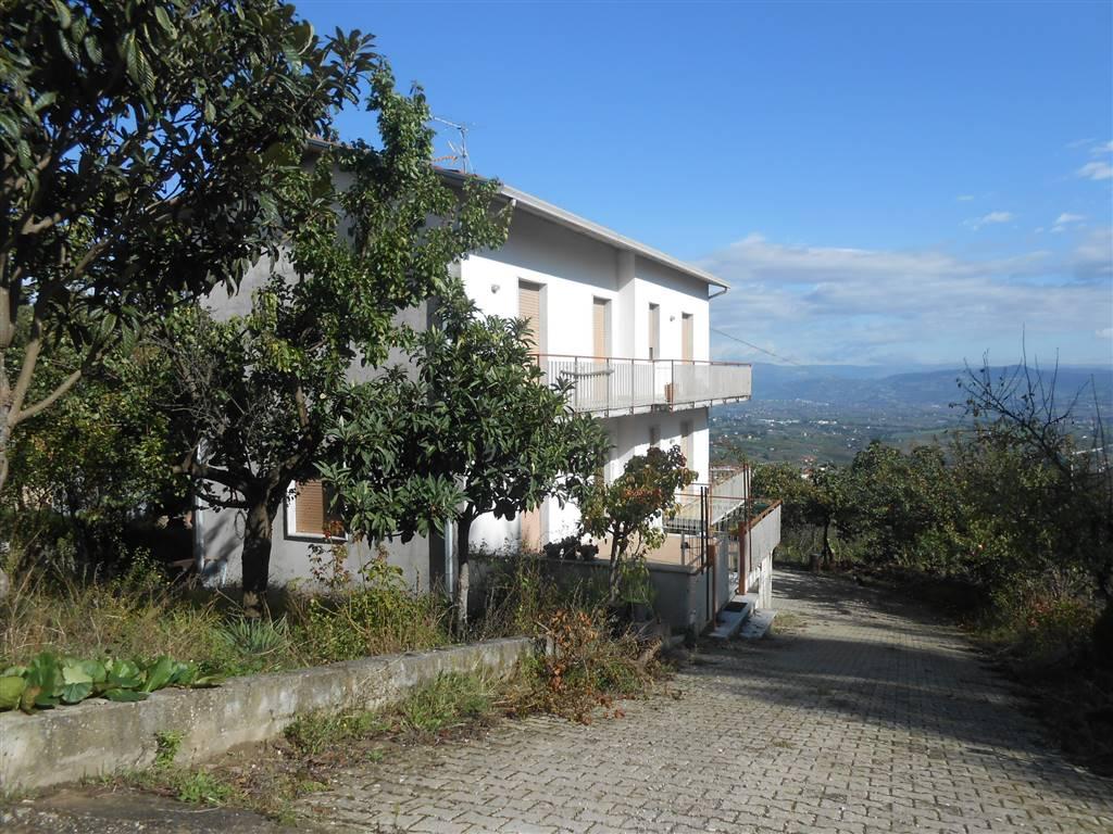 Soluzione Indipendente in vendita a Montefusco, 7 locali, zona Zona: contrade: Sant'Egidio, prezzo € 80.000 | Cambio Casa.it