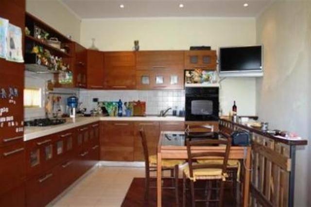 Villa in vendita a Vezzano Ligure, 4 locali, prezzo € 320.000 | Cambio Casa.it