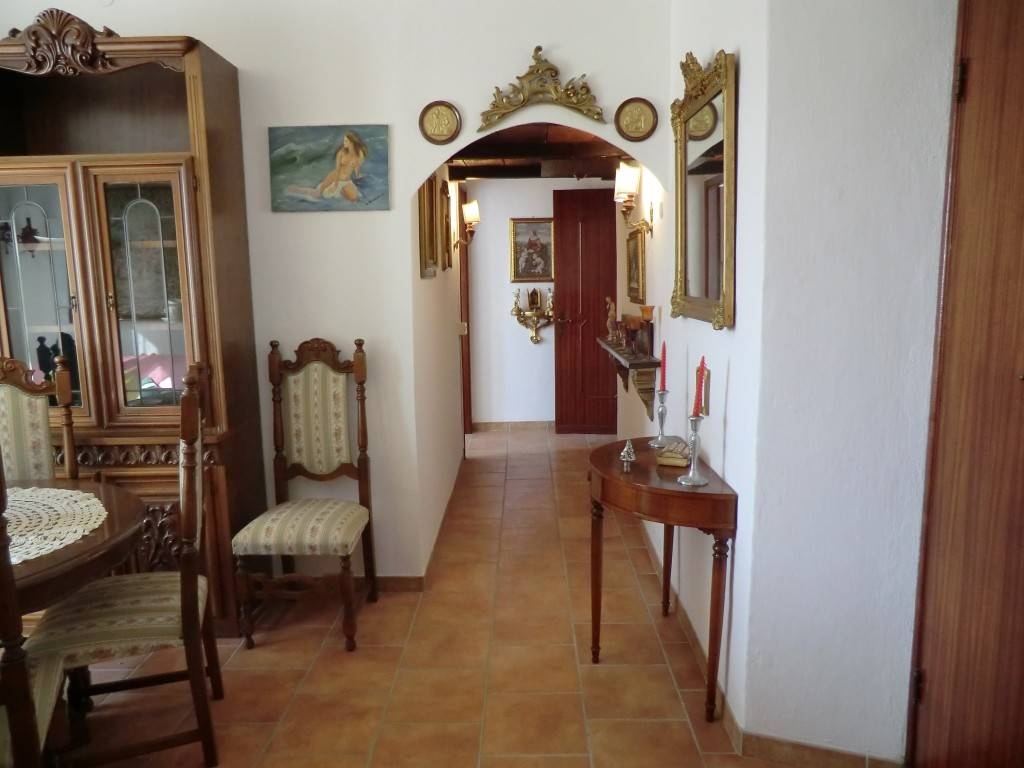 Appartamento in vendita a Vezzano Ligure, 4 locali, zona Zona: Vezzano Inferiore, prezzo € 105.000 | Cambio Casa.it