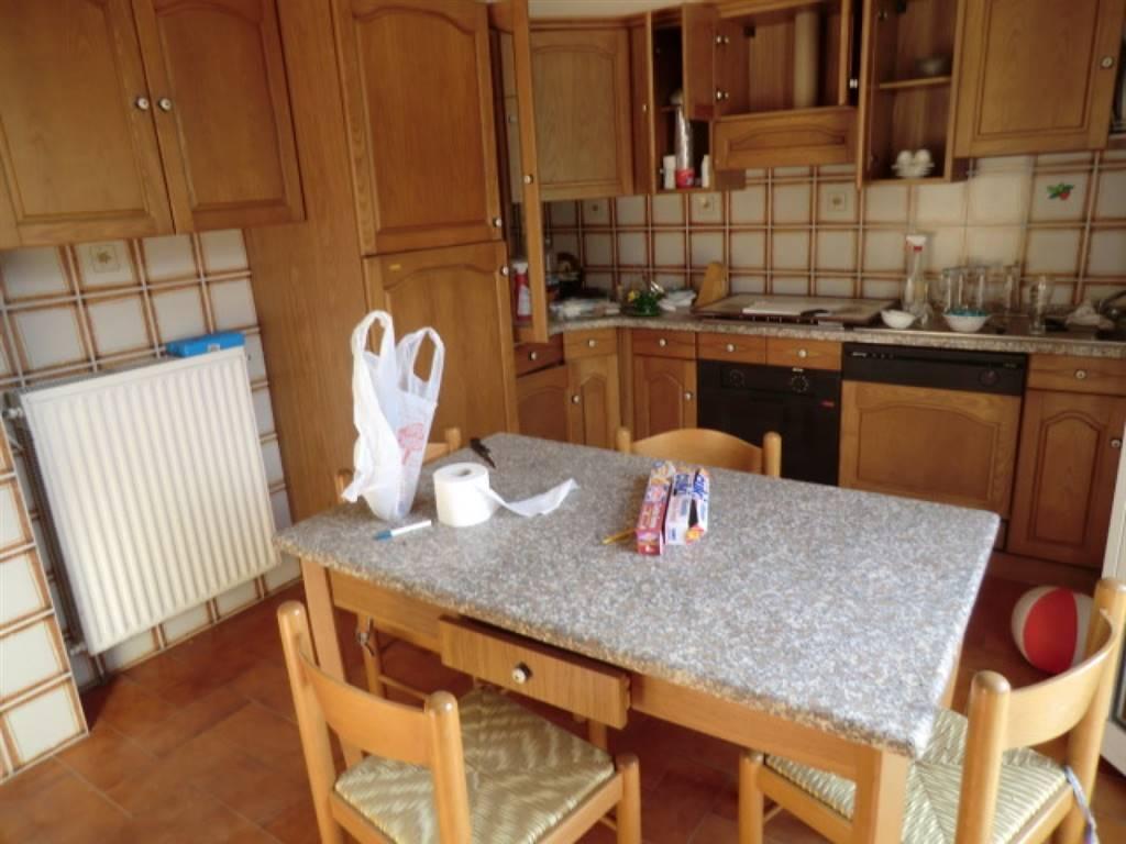 Villa in vendita a Vezzano Ligure, 5 locali, zona Zona: Buonviaggio, prezzo € 240.000 | Cambio Casa.it