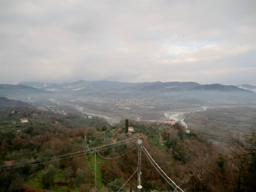 Villa Bifamiliare in vendita a Vezzano Ligure, 7 locali, zona Zona: Vezzano Inferiore, prezzo € 130.000 | Cambio Casa.it