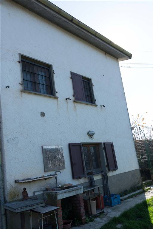 Soluzione Indipendente in vendita a Santo Stefano di Magra, 7 locali, zona Zona: Ponzano Superiore, prezzo € 325.000 | Cambio Casa.it