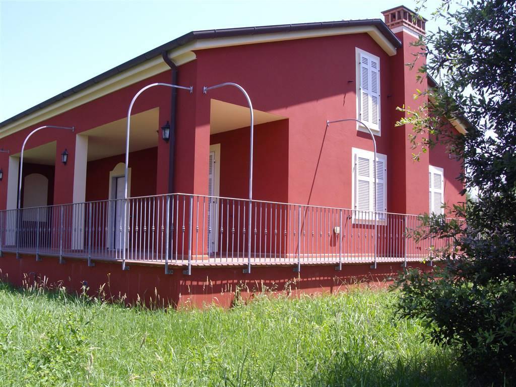 Villa in vendita a Sarzana, 7 locali, zona Località: CAMPONESTO, prezzo € 550.000 | Cambio Casa.it