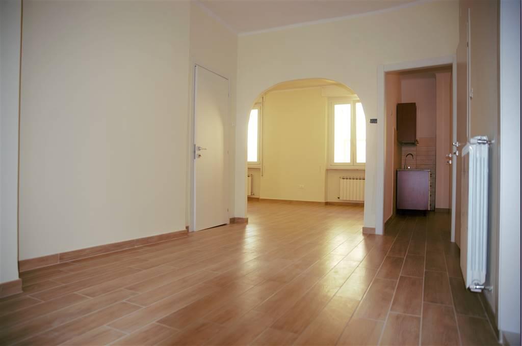 Appartamento in affitto a La Spezia, 5 locali, zona Località: CENTRO, prezzo € 850 | Cambio Casa.it