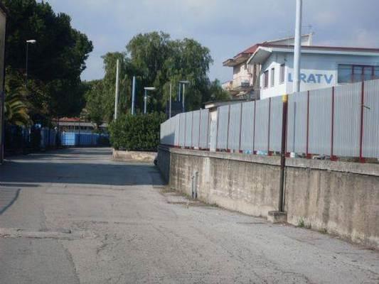 Capannone in affitto a Salerno, 9999 locali, zona Località: INDUSTRIALE, Trattative riservate | Cambio Casa.it