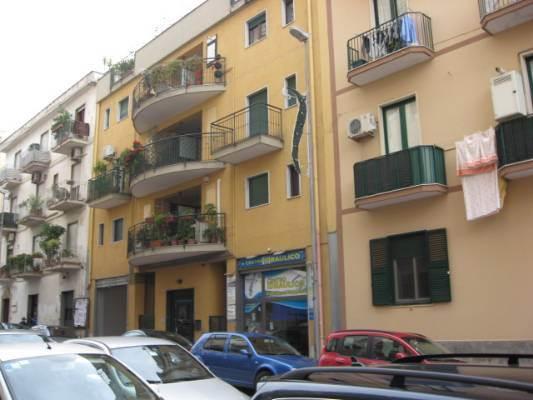 Negozio / Locale in vendita a Salerno, 1 locali, zona Zona: Carmine, prezzo € 95.000 | Cambio Casa.it