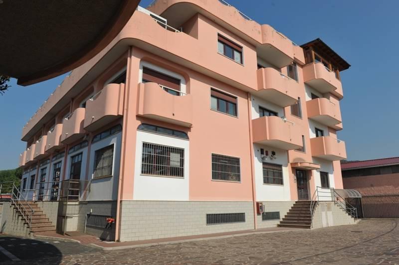 Negozio / Locale in vendita a Salerno, 9999 locali, zona Località: INDUSTRIALE, Trattative riservate | Cambio Casa.it