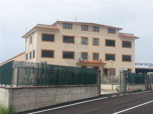 Capannone in affitto a Montecorvino Pugliano, 9999 locali, zona Località: SAN VITO, prezzo € 4.500 | Cambio Casa.it