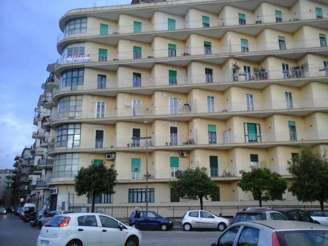 Appartamento in affitto a Salerno, 6 locali, zona Località: IRNO / CALCEDONIA/ PETROSINO, Trattative riservate | Cambio Casa.it