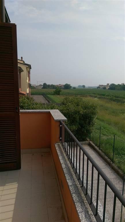 Villa a Schiera in vendita a Sissa, 7 locali, prezzo € 200.000 | Cambio Casa.it