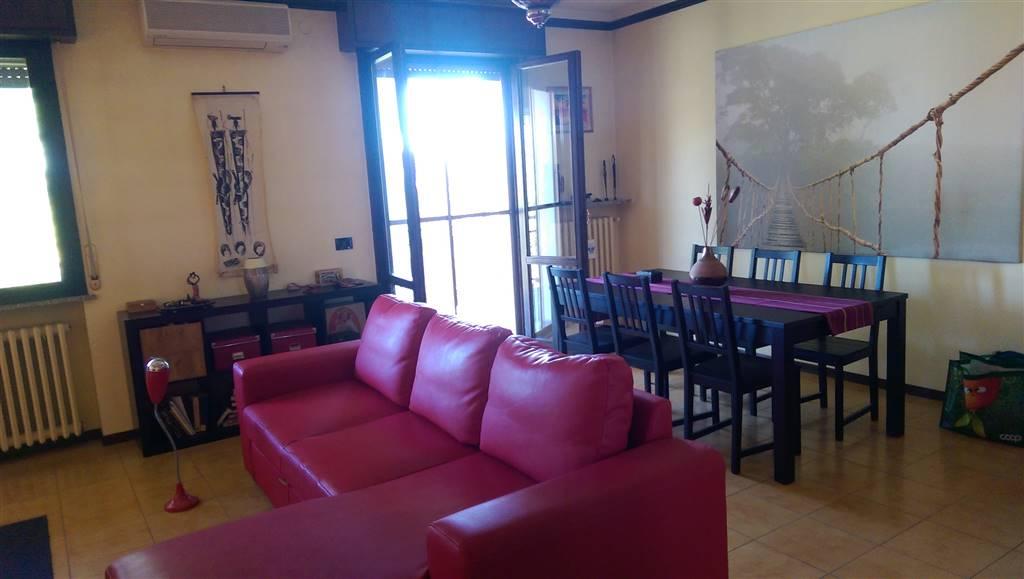 Appartamento in vendita a Torrile, 5 locali, zona Zona: Rivarolo, prezzo € 149.000 | Cambio Casa.it