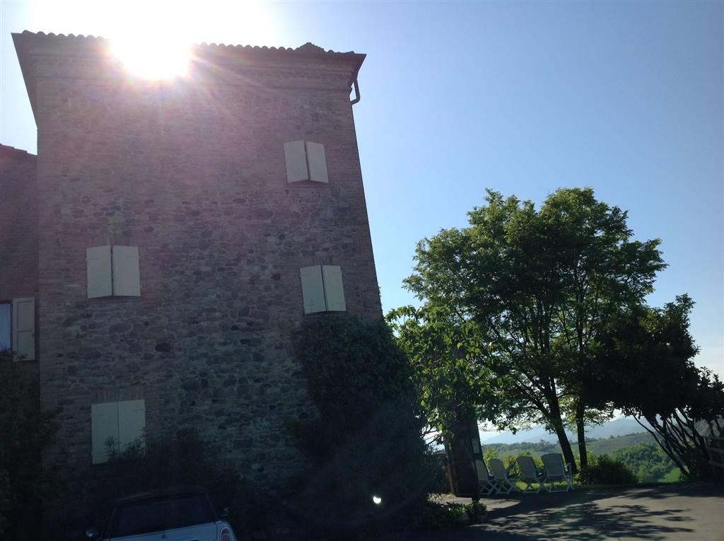 Villa in vendita a Sala Baganza, 15 locali, zona Località: CASTELLARO, Trattative riservate   Cambio Casa.it