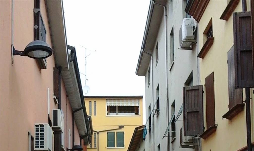 Attico / Mansarda in vendita a Poviglio, 4 locali, prezzo € 80.000 | Cambio Casa.it