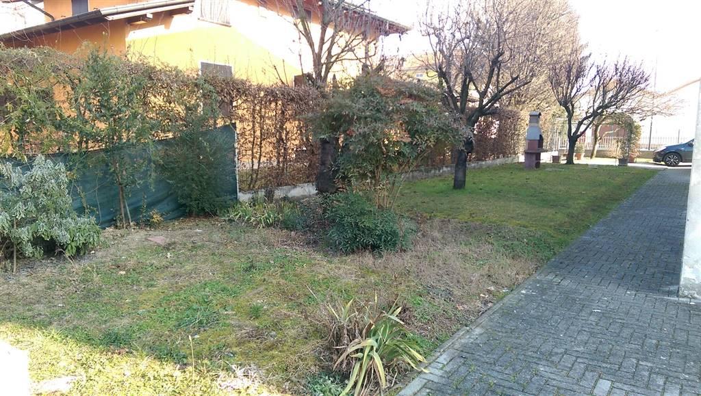 Appartamento in vendita a Mezzani, 6 locali, zona Zona: Casale, prezzo € 120.000 | CambioCasa.it