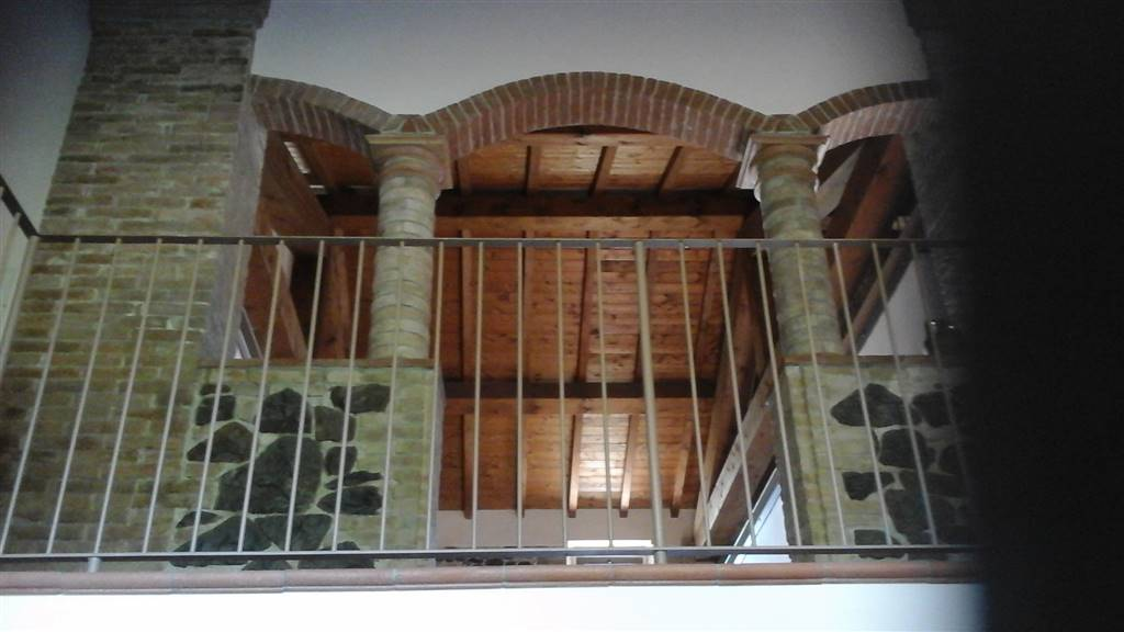 Rustico / Casale in vendita a Parma, 8 locali, zona Zona: Carignano, prezzo € 540.000   CambioCasa.it