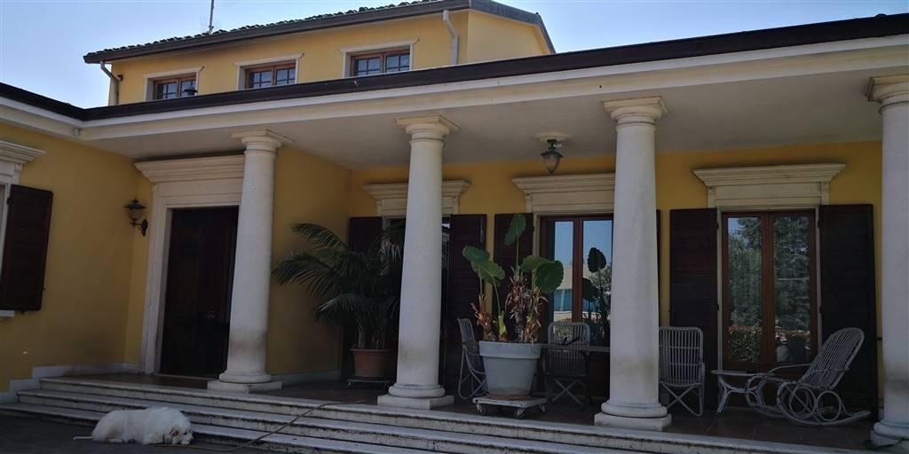 Villa-Villetta in Vendita Parma