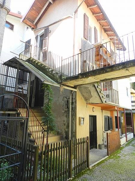 Villa-Villetta  in Vendita a Colico