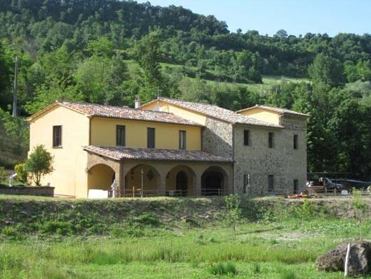 Rustico / Casale in vendita a Castiglione in Teverina, 10 locali, prezzo € 450.000 | CambioCasa.it