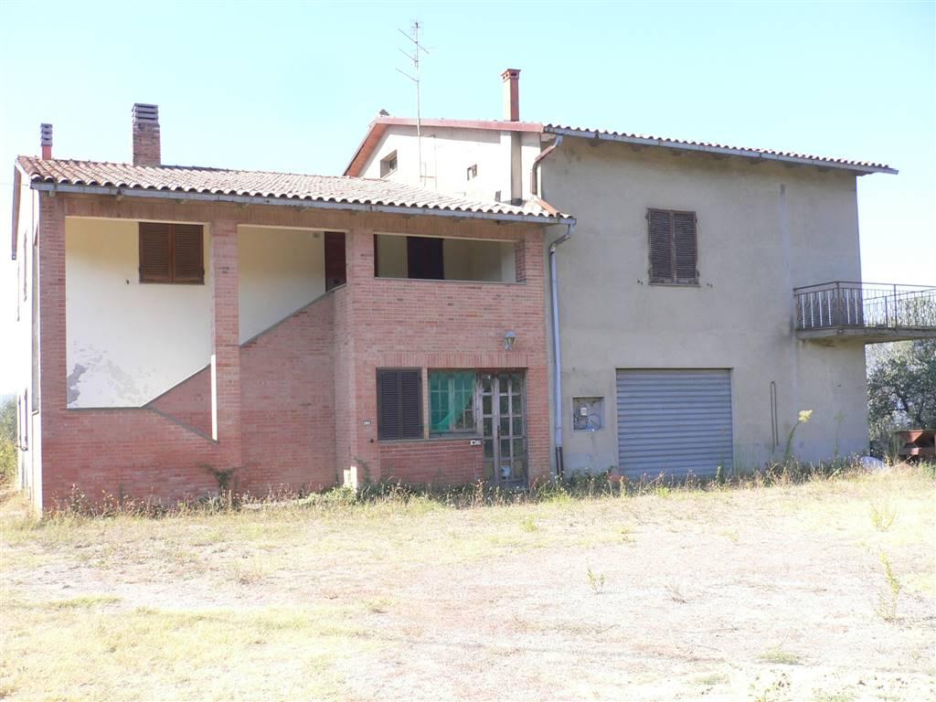 Rustico / Casale in vendita a Città della Pieve, 8 locali, prezzo € 300.000 | Cambio Casa.it