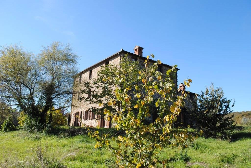 Rustico / Casale in Vendita a Montegabbione