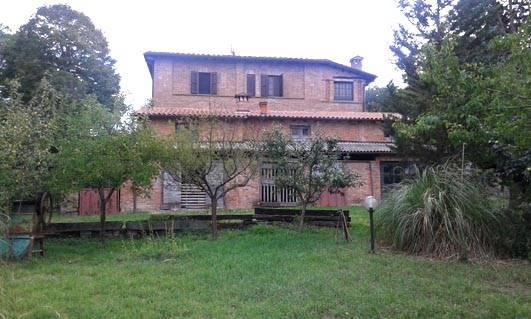 Rustico / Casale in Vendita a Chiusi