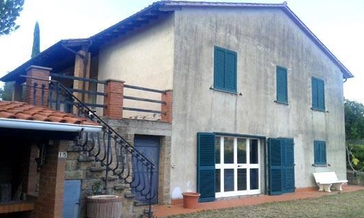 Soluzione Indipendente in vendita a Città della Pieve, 6 locali, prezzo € 300.000 | CambioCasa.it