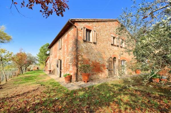 Rustico / Casale in vendita a Città della Pieve, 10 locali, prezzo € 550.000 | Cambio Casa.it