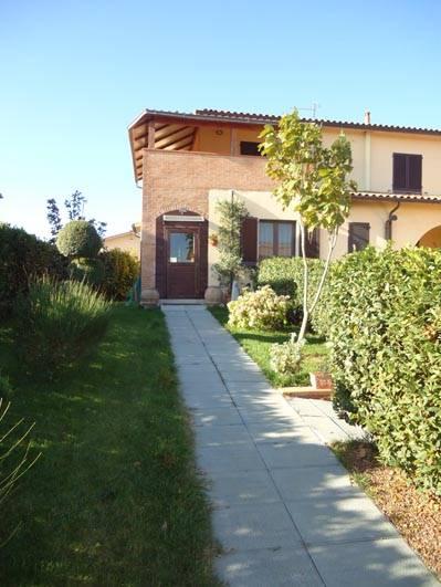 Villa Bifamiliare in vendita a Città della Pieve, 6 locali, prezzo € 250.000 | Cambio Casa.it