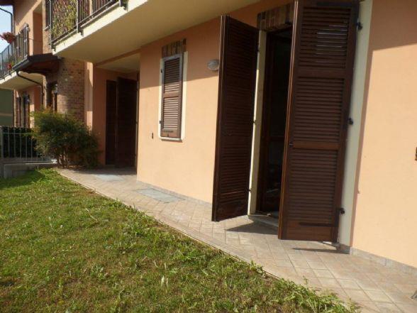 In piccola caseggiato di recente costruzione proponiamo in vendita appartamento da ultimare, composto da ingresso in soggiorno, cucina, due camere