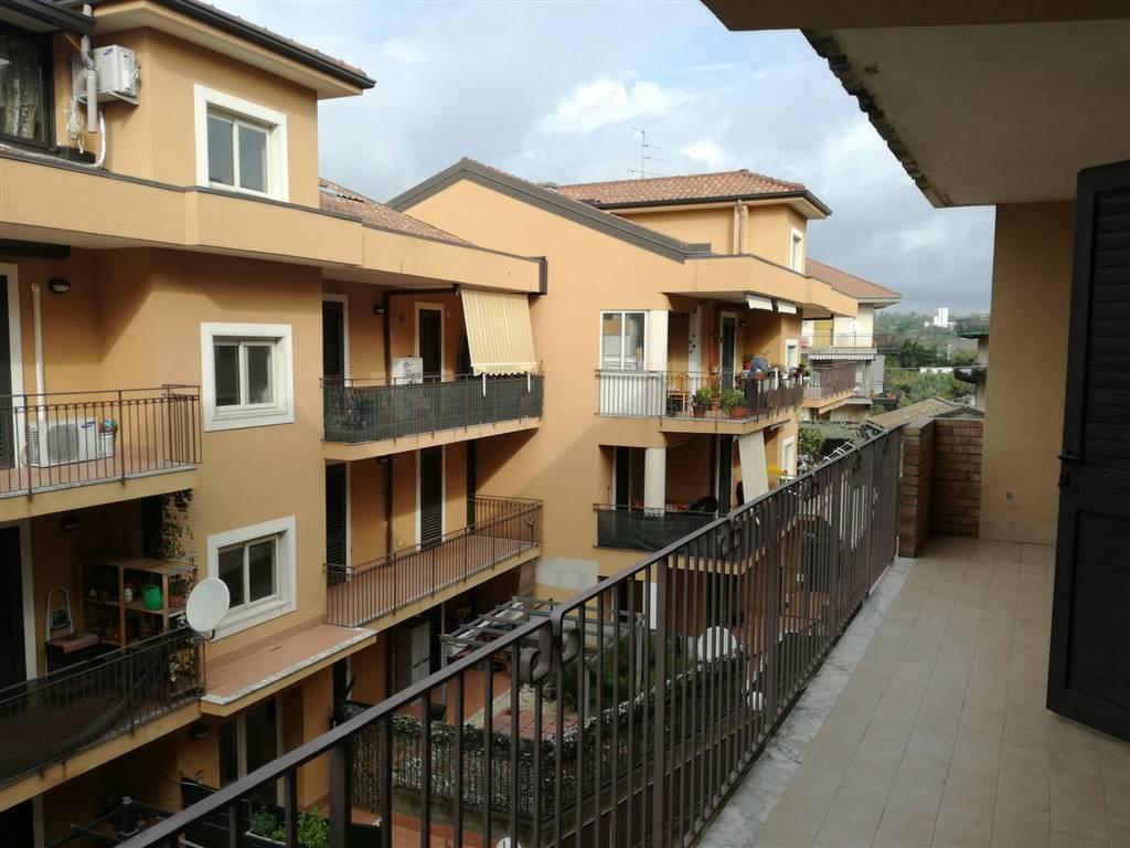 Appartamento in affitto a Aci Catena, 3 locali, prezzo € 450 | Cambio Casa.it