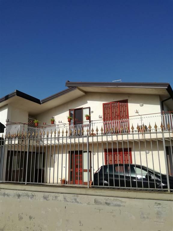 Appartamento in affitto a Motta Sant'Anastasia, 4 locali, prezzo € 430 | Cambio Casa.it