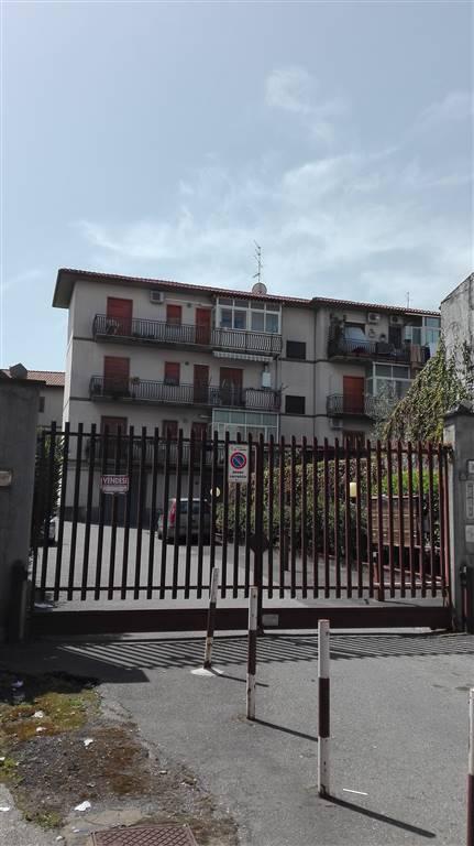 Appartamento in vendita a Aci Sant'Antonio, 4 locali, prezzo € 100.000   Cambio Casa.it