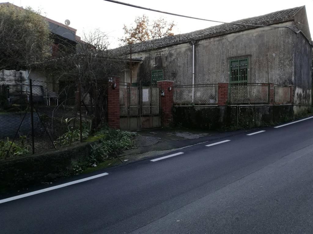 Rustico / Casale in vendita a Acireale, 5 locali, zona Località: PIANO DAPI, prezzo € 230.000 | Cambio Casa.it