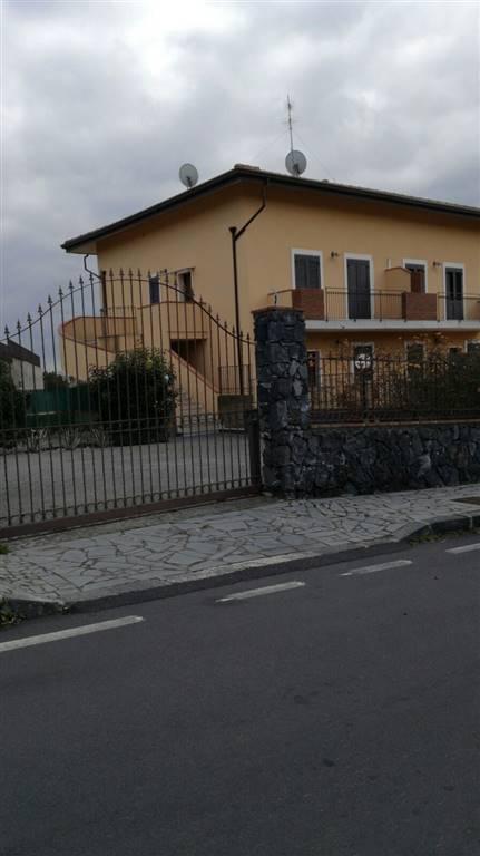 Soluzione Indipendente in affitto a Mascalucia, 5 locali, zona Località: MASSA ANNUNZIATA, prezzo € 650 | Cambio Casa.it