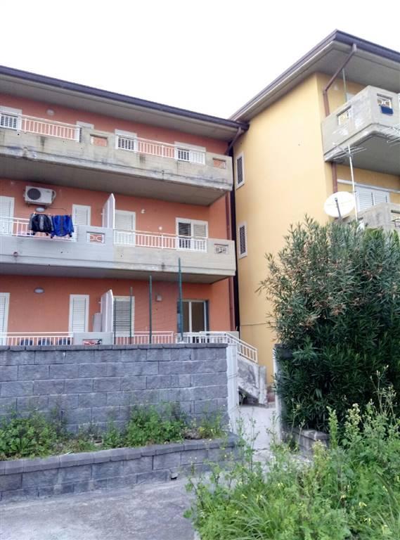 Appartamento in Affitto a Aci Catena