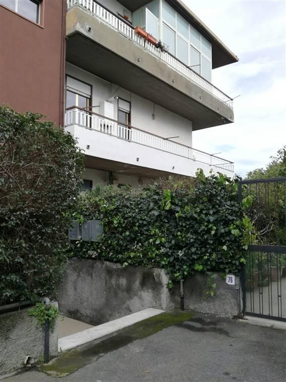 Appartamento in affitto a Aci Castello, 4 locali, prezzo € 700 | Cambio Casa.it