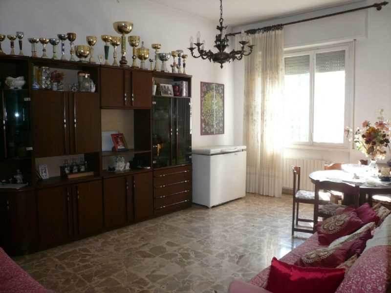 Appartamento in vendita a Scandicci, 4 locali, prezzo € 270.000 | Cambio Casa.it