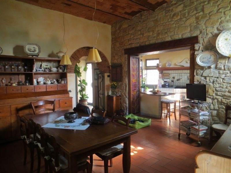Rustico / Casale in vendita a Firenze, 10 locali, zona Zona: 6 . Collina sud, Galluzzo, Ponte a Ema, prezzo € 850.000 | CambioCasa.it
