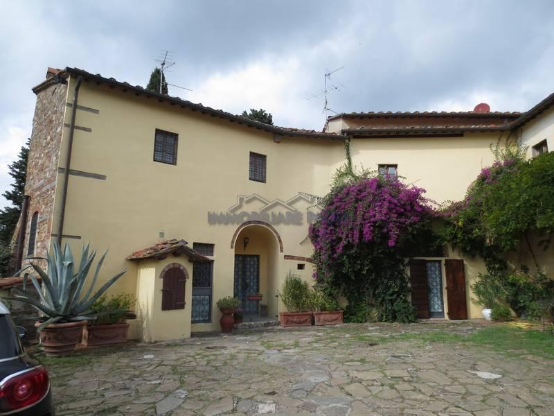 Rustico / Casale in vendita a Firenze, 9 locali, zona Zona: 6 . Collina sud, Galluzzo, Ponte a Ema, prezzo € 850.000 | CambioCasa.it