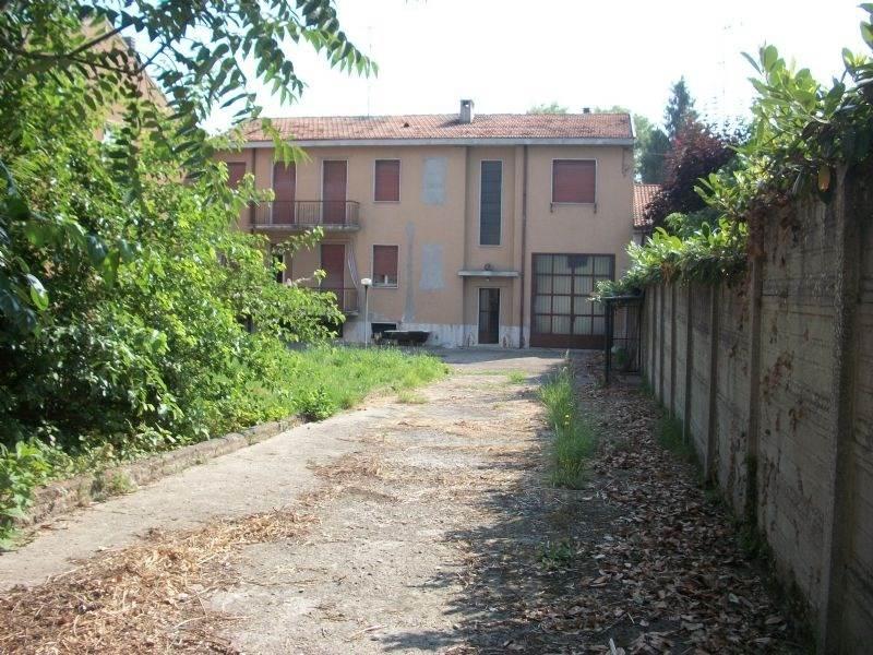 Soluzione Indipendente in vendita a Sant'Angelo Lodigiano, 10 locali, Trattative riservate | Cambio Casa.it